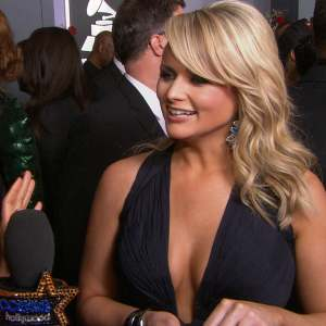 Grammys 2013: Miranda Lambert's Stunning Red Carpet Look!