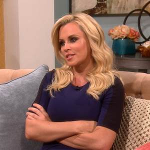 Jenny McCarthy Defends Cousin Melissa McCarthy Against Movie Critic's Personal Attack