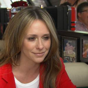 Jennifer Love Hewitt Talks The Client List Season 2 Plotline &amp; Sexy Promotion