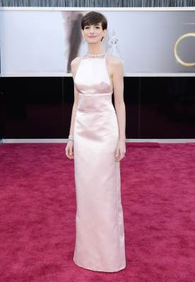 Anne Hathaway arrives at the Oscars at Hollywood & Highland Center on February 24, 2013 in Hollywood, Calif.