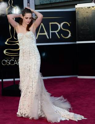 Kristen Stewart arrives on the red carpet for the 85th Annual Academy Awards, Hollywood, on February 24, 2013