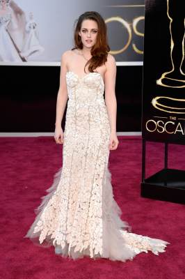 Kristen Stewart arrives at the Oscars on February 24, 2013 in Hollywood, Calif.