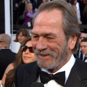 Oscars 2013: Tommy Lee Jones Has A Laugh Over His Usually Grumpy Demeanor