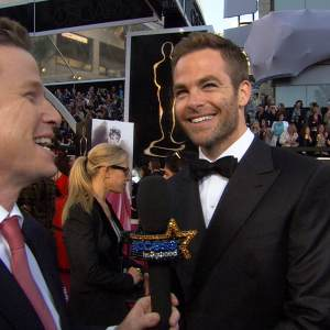 Oscars 2013: Chris Pine Talks Sneaking Contraband Into The Show In His Mom's Purse