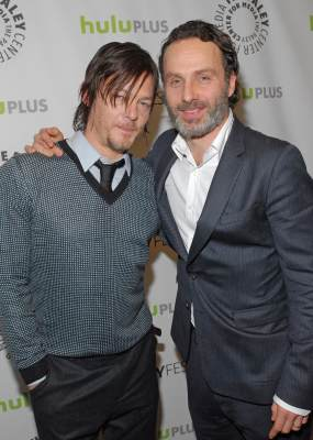 Norman Reedus and Andrew Lincoln pose during the Paley Center for Media's PaleyFest event honoring 'The Walking Dead,'  at the Saban Theatre, Los Angeles, March 1, 2013 (courtesy of Samsung Galaxy)
