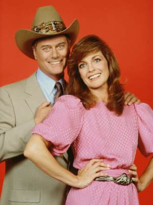 'Dallas' stars Larry Hagman (as John Ross 'J.R.' Ewing, Jr.) and Linda Gray (as Sue Ellen Ewing), 1981