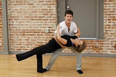 Tristan MacManus dips partner Dorothy Hamill as they rehearse for 'Dancing with the Stars,' Season 16