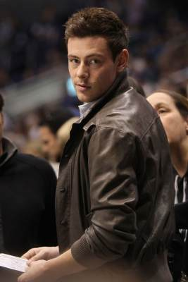 Cory Monteith attends the NHL game between the Vancouver Canucks and the Los Angeles Kings at Staples Center on March 23, 2013 in Los Angeles