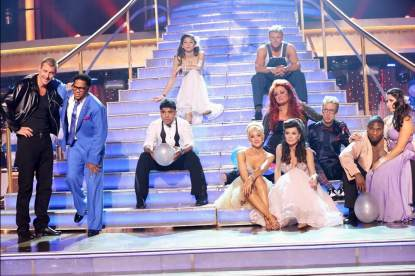 The cast during Week 3, Season 16 of 'Dancing with the Stars'