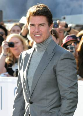 Tom Cruise attends the premiere of 'Oblivion' at the Dolby Theatre on April 10, 2013 in Hollywood, Calif.