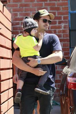 Orlando Bloom is spotted with son Flynn in Los Angeles on April 11, 2013