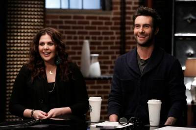 Contestants get some advice from Hillary Scott and Adam Levine on 'The Voice'