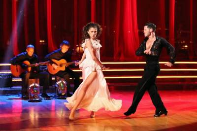 Zendaya and Val Chmerkovskiy perform on 'Dancing,' April 29, 2013
