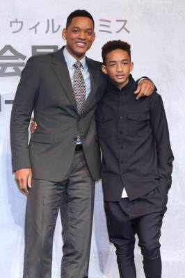 Will Smith and Jaden Smith pose for photo during the 'After Earth' Press Conference at the Ritz Carlton Tokyo on May 2, 2013 in Tokyo, Japan