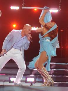 Pitbull performs on the &#8216;American Idol&#8217; Season 12 Grand Finale, May 16, 2013
