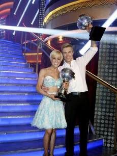 Kellie Pickler and Derek Hough celebrate winning Season 16 of 'Dancing with the Stars' on May 21, 2013