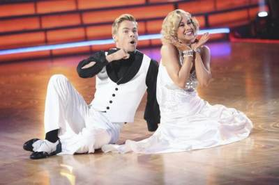 Derek Hough and Kellie Pickler perform on the 'Dancing' finals, May 20, 2013