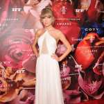 Taylor Swift attends The Fragrance Foundation Awards at Alice Tully Hall on June 12, 2013 in New York City