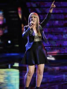 Amber Carrington performs on 'The Voice,' June 10, 2013