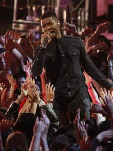 Usher performs on 'The Voice,' June 17, 2013