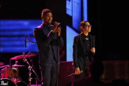 Michelle Chamuel performs with her coach, Usher, on 'The Voice'