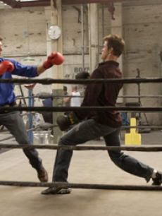 Josh Duhamel and Jerry O'Connell duke it out!