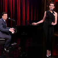 Anne Hathaway Sings Jazzy Rap Songs With <a class=\'celebLink\' href=\'/details/star/2089/jimmy-fallon\'><i class=\'icon-star\'></i>Jimmy&nbsp;Fallon</a>