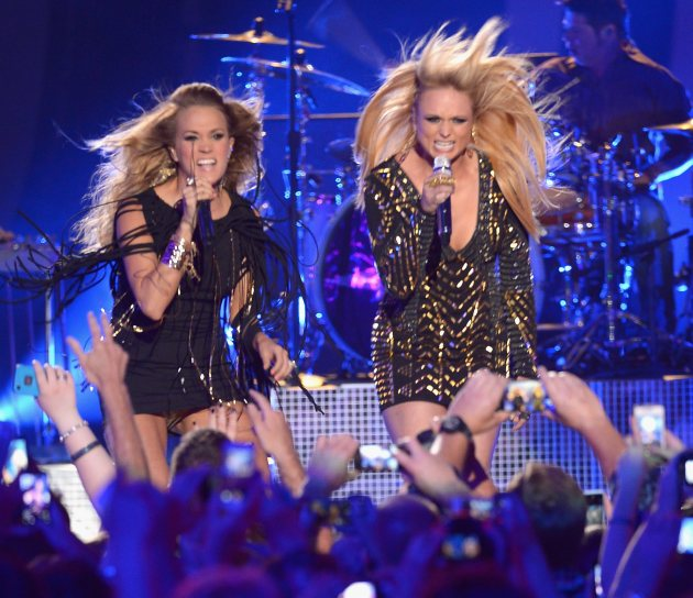 Carrie Underwood and Miranda Lambert perform onstage at the 2014 CMT Music Awards at Bridgestone Arena on June 4, 2014 in Nashville (Getty Images)
