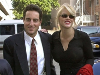 Howard K. Stern & Anna Nicole in 2000