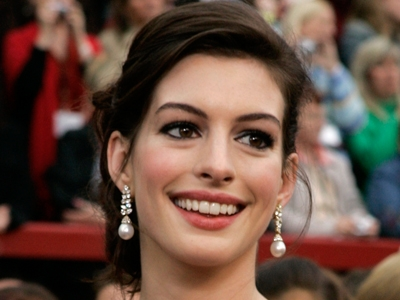 Anne Hathaway, pictured at the 2007 Oscars, is another raven-haired beauty 