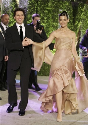 Katie Holmes was stunning in this ball gown at Vanity Fair&#8217;s Oscar party