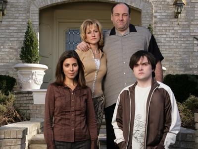 Jamie-Lynn Sigler, Edie Falco, James Gandolfini, Robert Iler the sopranos BLURB