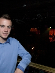 Actor Frankie Muniz poses at the Hard Rock nightclub!