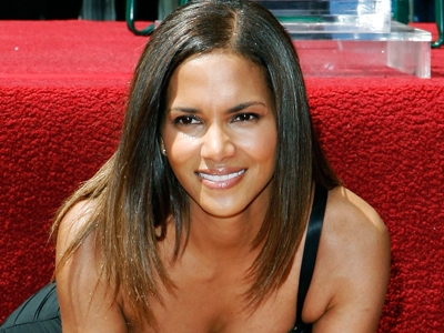 Halle Berry on the Hollywood Walk of Fame, April 3, 2007