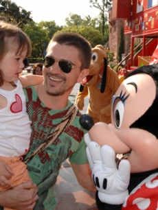 Latin singing sensation Juanes and daughter Paloma at Disney World!