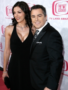 Knight, Christopher - Adrianne Curry TV LAND AWARDS 4 14 &rsquo;07 AP 1