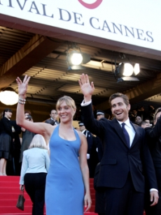Chloe Sevigny & Jake Gyllenhaal wave to the fans on the Cannes carpet