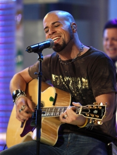Daughtry, Chris MTV TRL 6 1 '07 AP 3