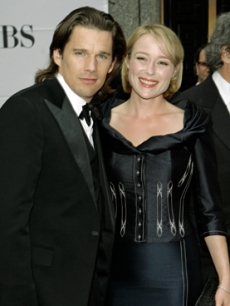 Ethan Hawke and Jennifer Ehle strike a pose on the red carpet