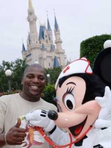 Mekhi Phifer and Minnie Mouse together at Disney World