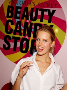Fellow model Karolina Kurkova helps launch the beauty line