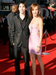 Long, Justin - Maggie Q ESPY AWARDS 7 11 '07 AP 1