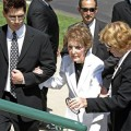 Nancy Reagan arrives to Merv Griffin's funeral