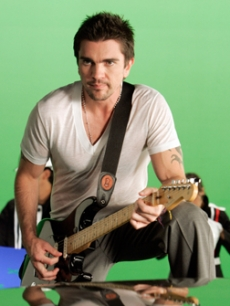 Latin singing sensation Juanes shoots a music video in LA