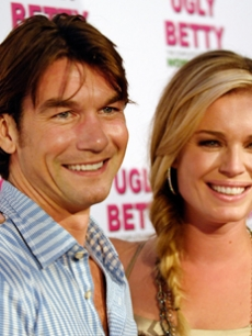 Jerry O'Connell & wife Rebecca Romijn together at the DVD event