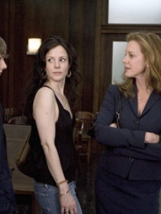 weeds - hunter parrish mary louise parker elizabeth perkins