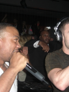 Over at Jet nightclub in Vegas, Timbaland and JT rock the mics!