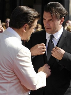 Billy Baldwin gets a quick fix from brother Alec