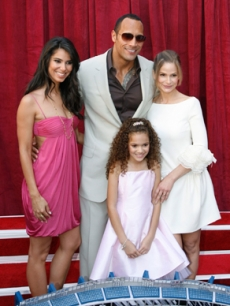 Sedgwick, Kyra - Dwayne &rsquo;The Rock&rsquo; Johnson - Madison Pettis - Roselyn Sanchez LA 9 23 &rsquo;07 AP 1
