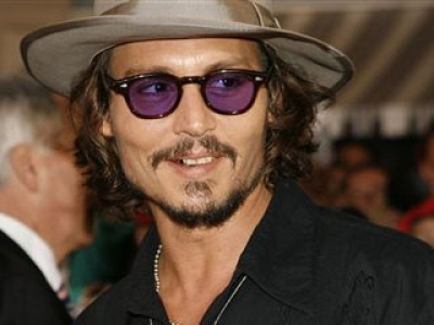 johnny depp pirates premiere blurb